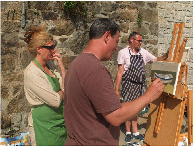Hen teaching in the Mousehole Harbour